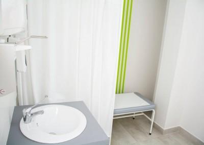 Umywalka w gabinecie lekarskim, z której korzystamy gdy przyjmujemy pacjentów z chorobami wątroby, HCV lub boreliozą.